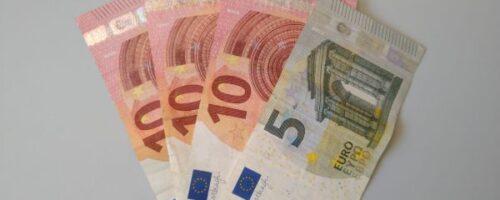 ستدفع الدولة في شهر آب 100 يورو لكل طفل ولمرة واحدة