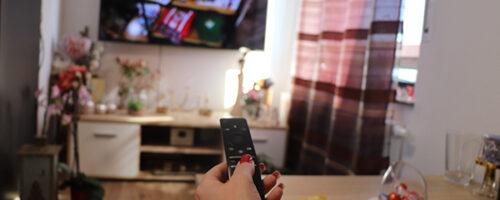 تعلم لغة أجنبية تلقائيًا من خلال مُشاهدة التلفاز